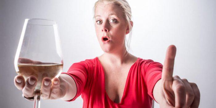 Алкоголь повышает или понижает давление: как влияет, можно ...