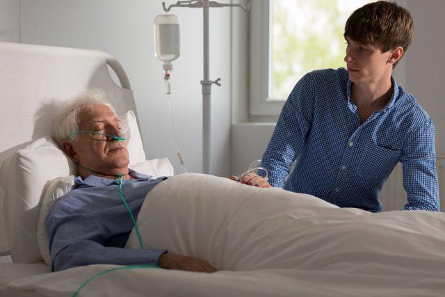 Стадии комы после инсульта и особенности ухода за больным