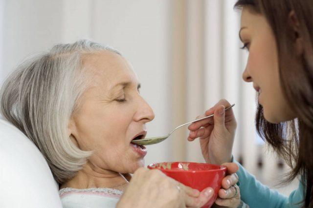 Уход за больным человеком после перенесенного инсульта