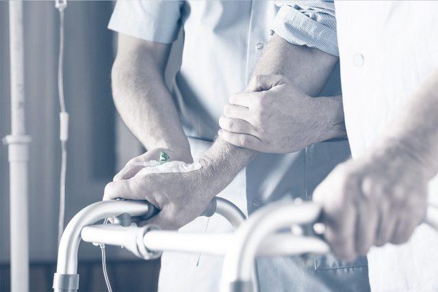 Геморрагический инсульт вызывает