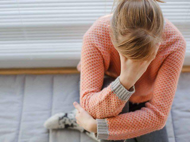 Обмороки при вегетососудистой дистонии: причины и помощь